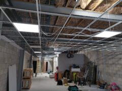 Commercial install with tray and cable in ceiling